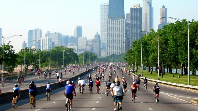 chicago-bike-the-drive